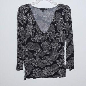 Cable & Gauge V neck shirt
